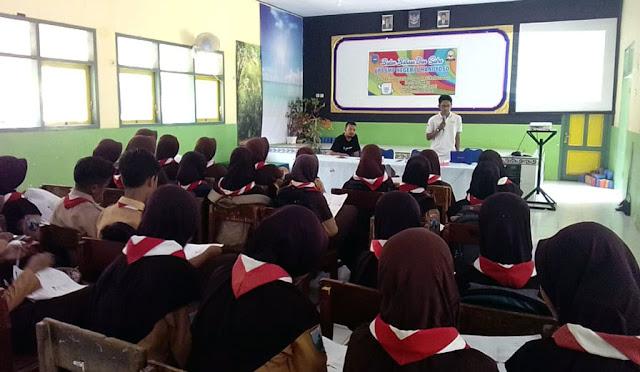 Pelatihan Jurnalistik di SMPN 1 Ranuyoso