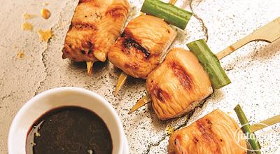 دجاج بصلصة الياكيتوري