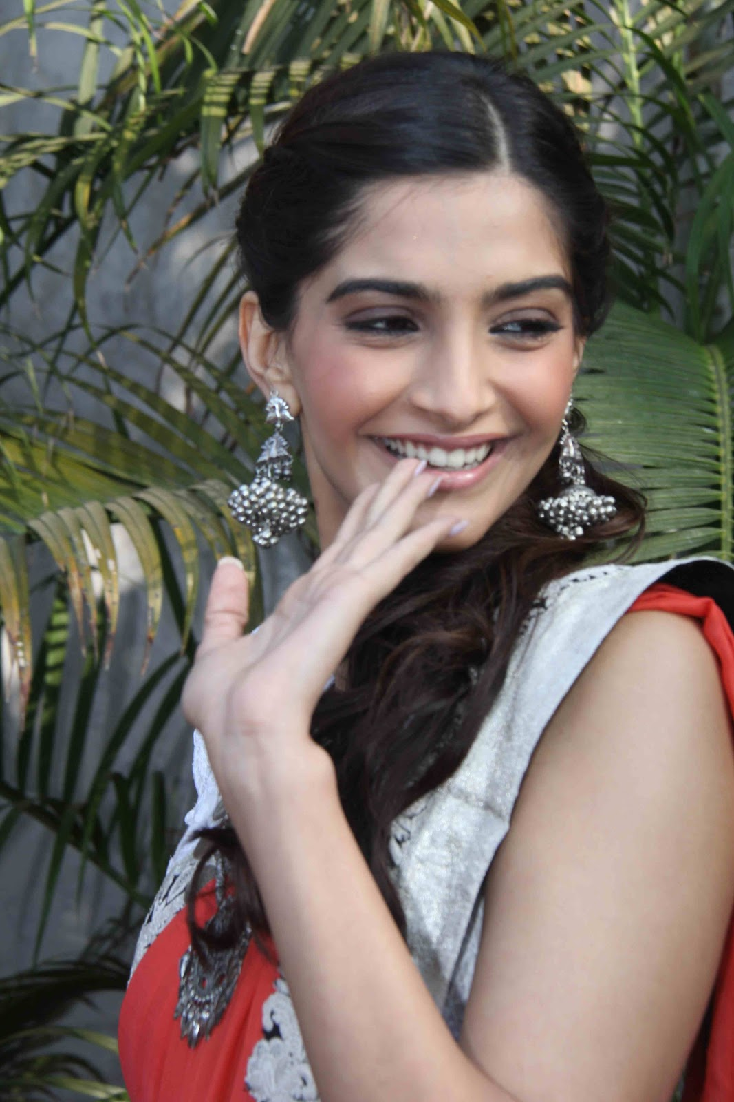 Sonam Kapoor Sexi Photo