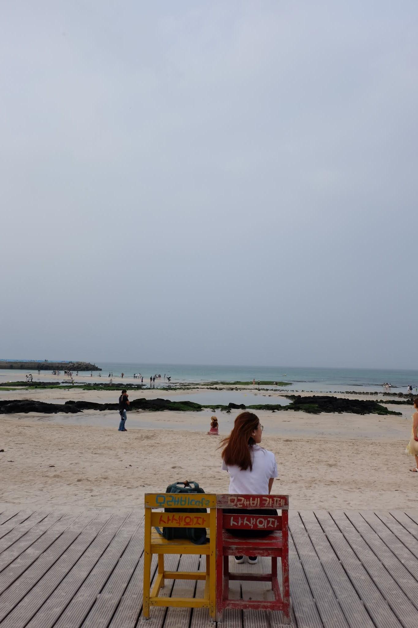 travelandeatwithtt: 【濟州景點】海邊文青咖啡店拍照散步聖地:月汀里海邊 월정리해변
