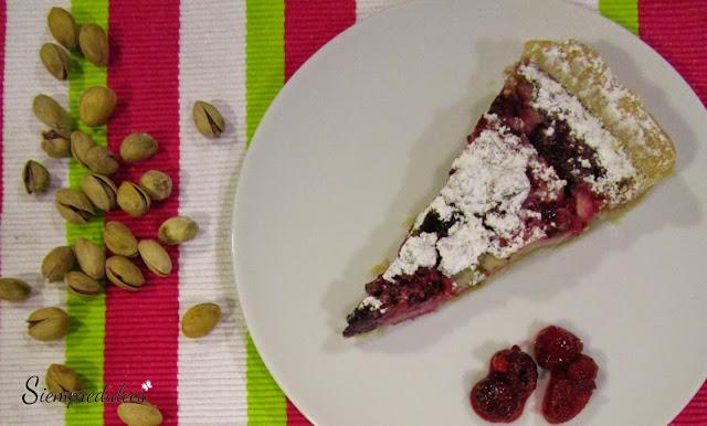 Tarta de frutos rojos y pistachos (Siempredulces)