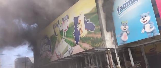 Gran incendio en almacén de la Avenida Independencia