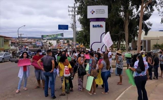Funcionários do Hospital Regional da Chapada relatam salários atrasados e fazem protesto