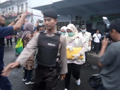 KPK Geledah Kantor Bupati Mojokerto