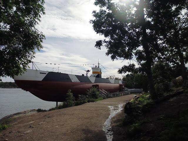 Submarino Vesikko (Fortaleza de Suomenlinna) (Helsinki) (@mibaulviajero)