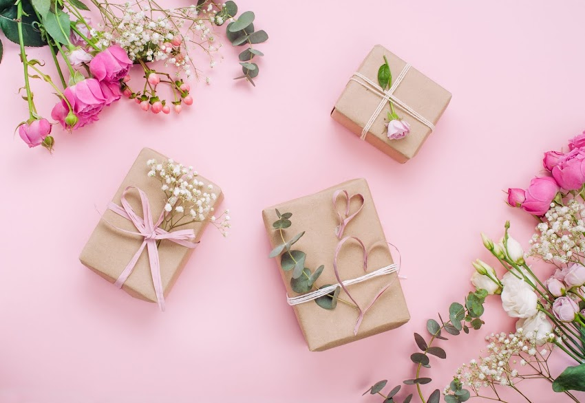 WHAT CAN YOU OFFER AS A RETURN GIFT TO YOUR GUESTS?