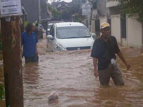 ertiga cara lewat banjir