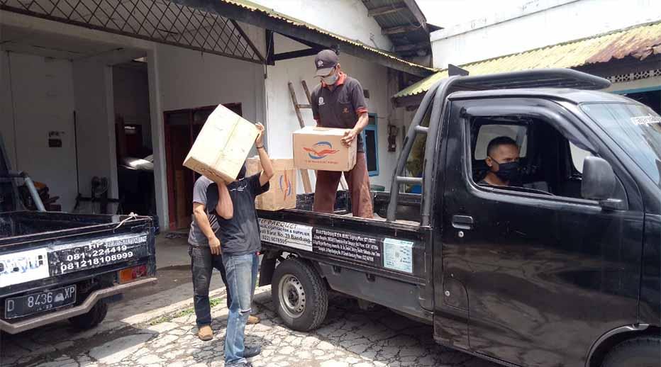 pengiriman lantai kayu
