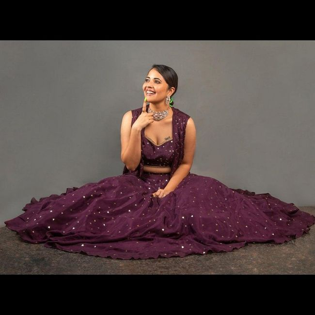 Pic talks: Anasuya Bharadwaj Vinayaka Chavithi Special Photoshoot pics