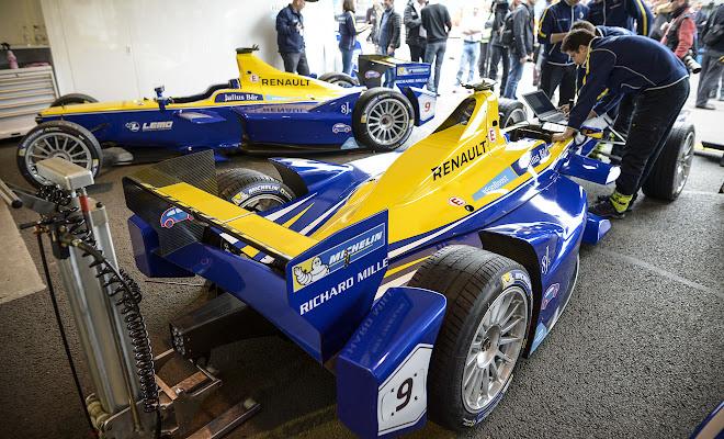 The Renault e.Dams pit garage