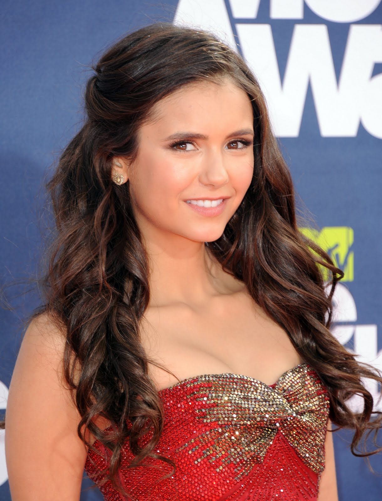 Gossip Freak: 'Vampire Diaries' Nina Dobrev On 'Twilight