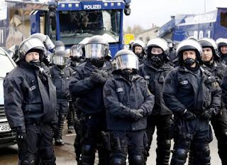 Συνελήφθησαν 3 τρομοκράτες - Ήθελαν να πλημμυρίσουν με αίμα την Γερμανία - Στόχος η Μέρκελ