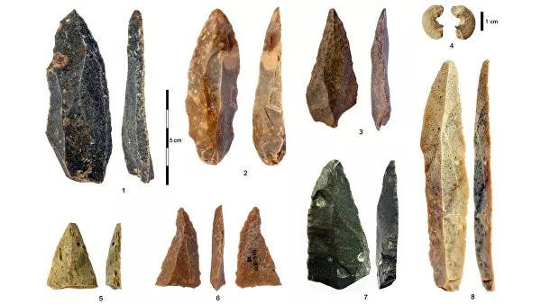 Artefatos de pedra da caverna do Paleolítico Superior de Bacho Kiro, Bulgária