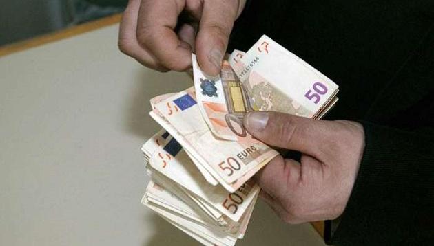 Το colpo grosso του Υπ. Οικονομικών για το τέλος των μετρητών