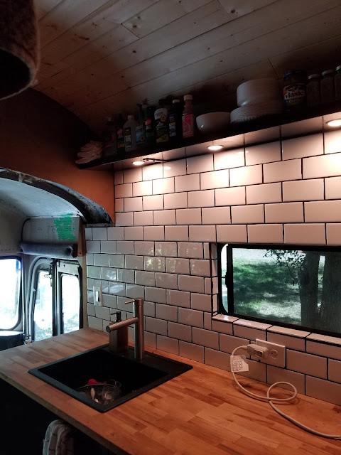 cuisine bus