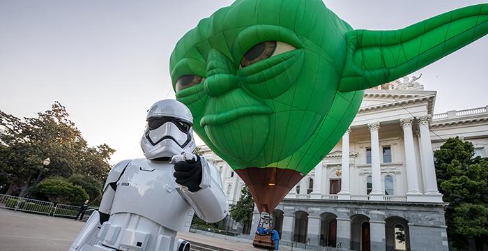 Globo gigante del Maestro Yoda