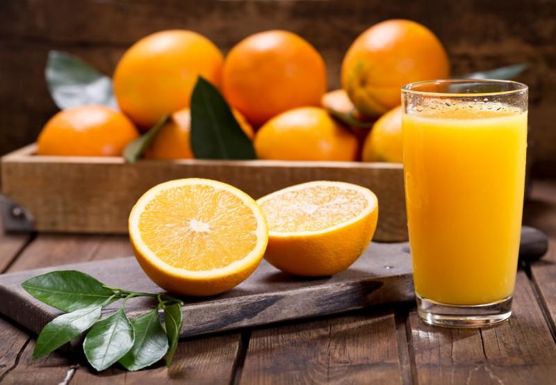 8 Benefícios do Suco de Laranja à Saúde