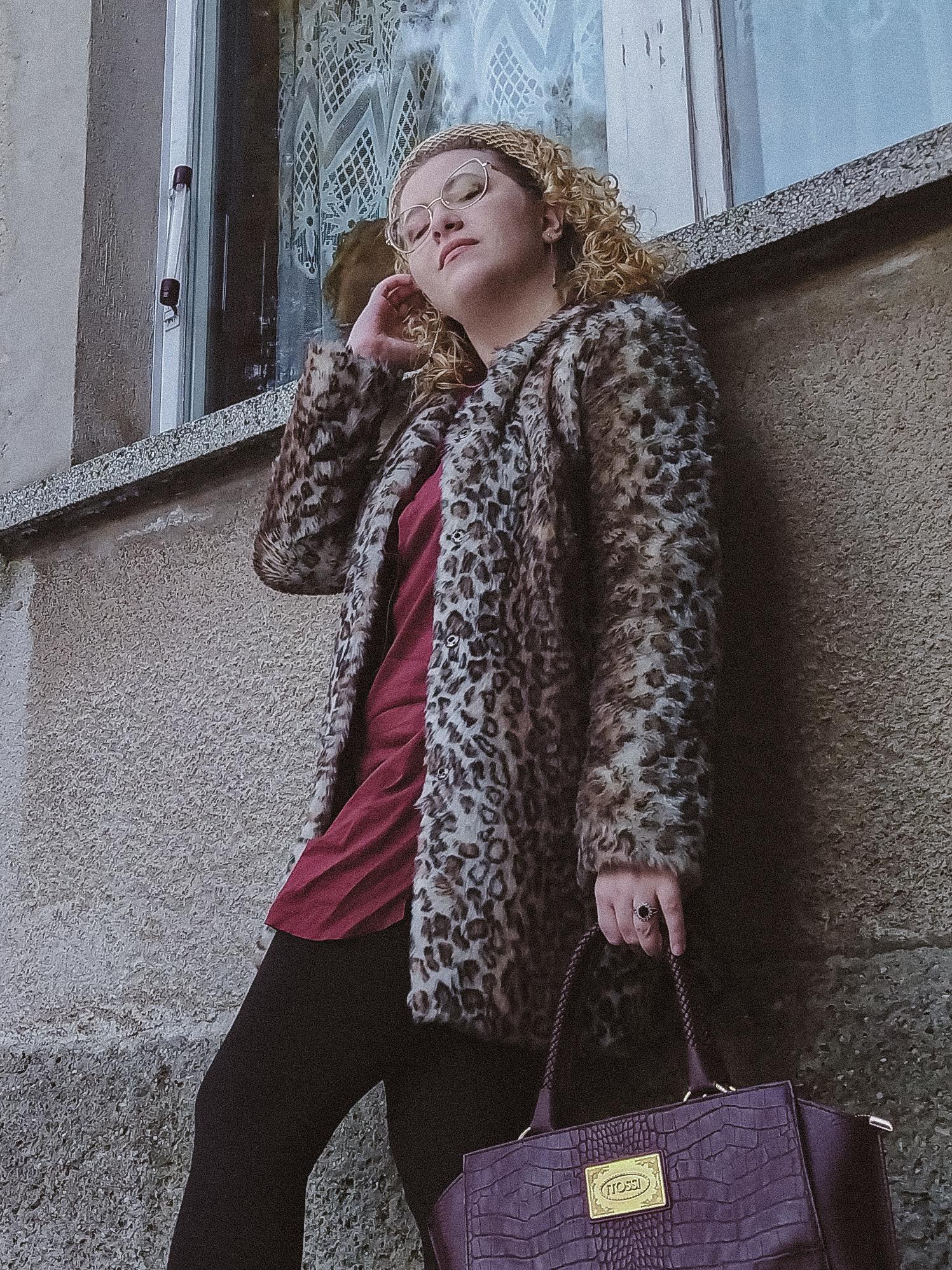 Jak nosić futro w panterkę?