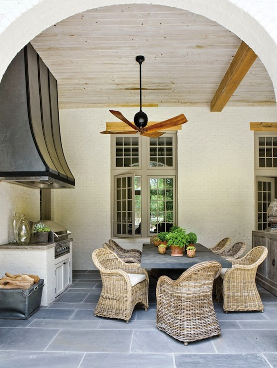 Color Outside The Lines: LOVE Outdoor Dining Rooms