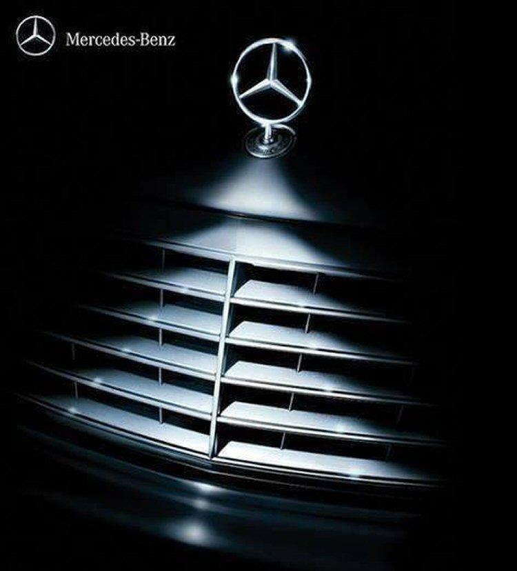 Mercedes: It's christmas!
