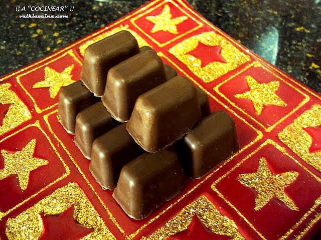 Bombones crujientes de turrón de chocolate casero