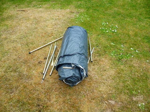 erecting a Bari 3 tent