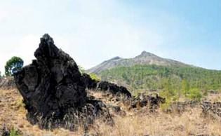 http://www.teluklove.com/2017/02/destinasti-objek-wisata-lava-tumuli.html