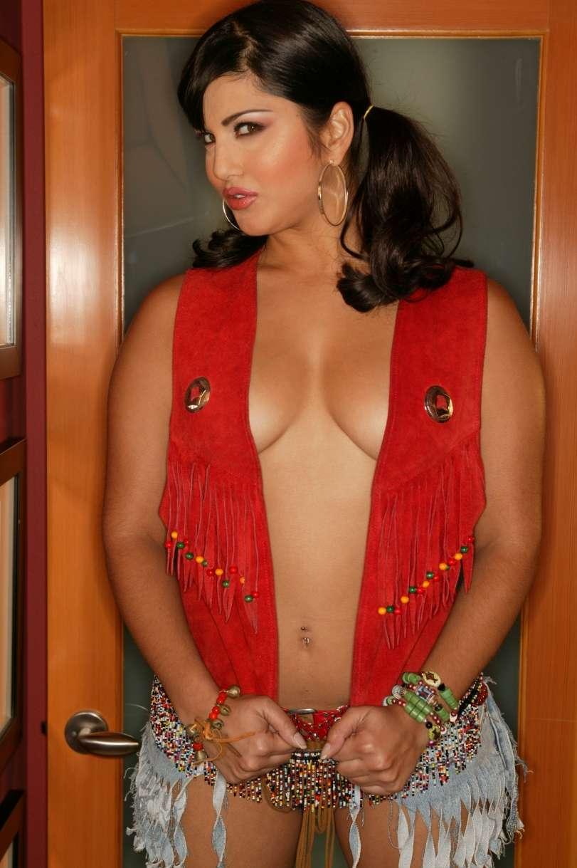 Sunny Leone Full Sexy Video