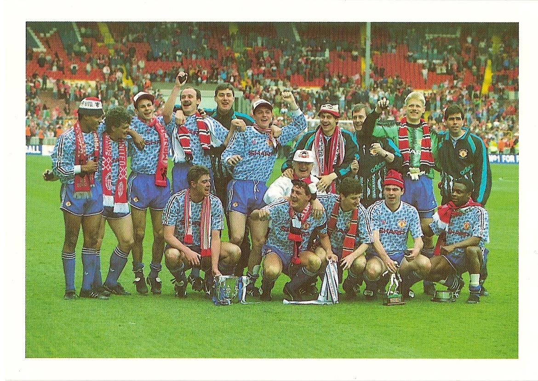 Postcard Hibernian 1992-93 Bassett /& Co Winners in 1992 Skol Cup