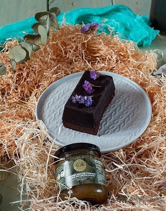 postre de chocolate en tres versiones y mermelada