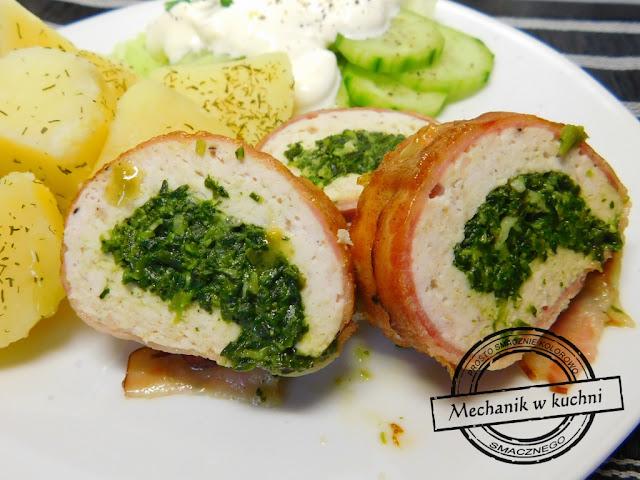 rolada drobiowa nadziewana szpinakiem z serem pleśniowym Lazur przepisy recipe spinach roll chicken pork bbq cook kucharz czapka kucharska szef kuchni nóż szefa kuchni