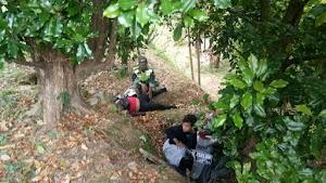 Anggota koramil 0810/05 Bantu Evakuasi di Obyek Wisata Air Terjun Sedudo
