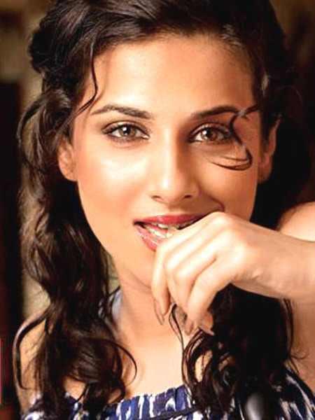 Very Hot Sexy Vidya Balan