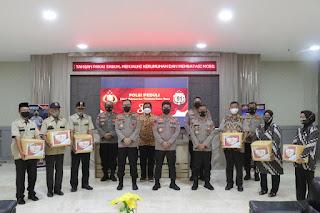 Alumni Akpol 91 Polda Sulsel  Beri Bantuan Paket Sembako kpd Purnawirawan dan Warakawuri Polri
