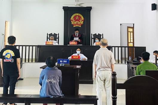 Mâu thuẫn về đất đai, gây rối trật tự công cộng lãnh án 18 tháng tù