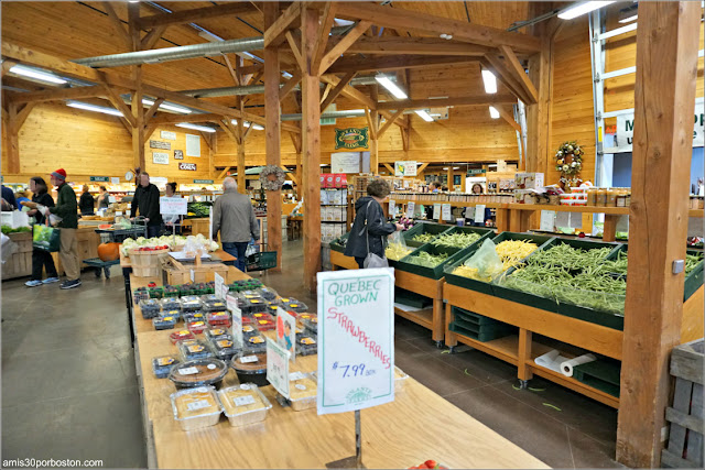 Granjas de Massachusetts:Interior del Supermercado en Volante Farms