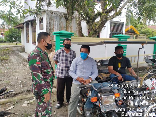 Selalu Ingatkan Warga Pentingnya Pakai Masker Dilakukan Personel Jajaran kodim 0208/Asahan Dengan Cara Komsos