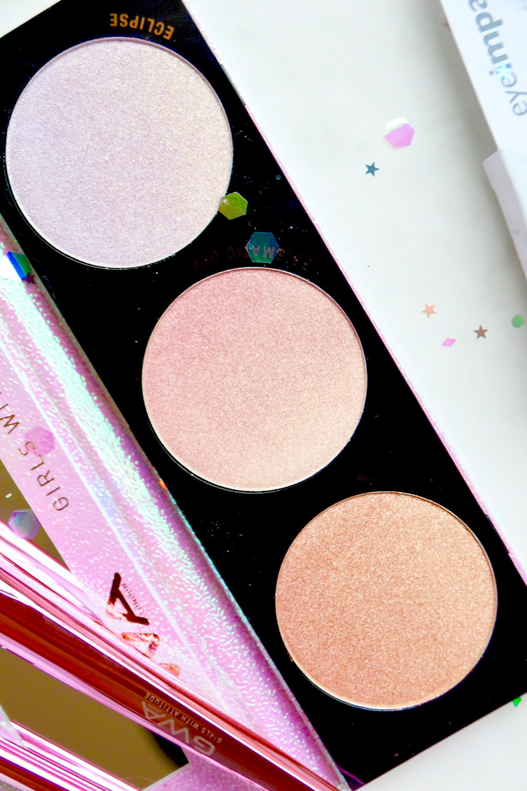 Girls With Attitude Galactic Glow Highlighting Palette