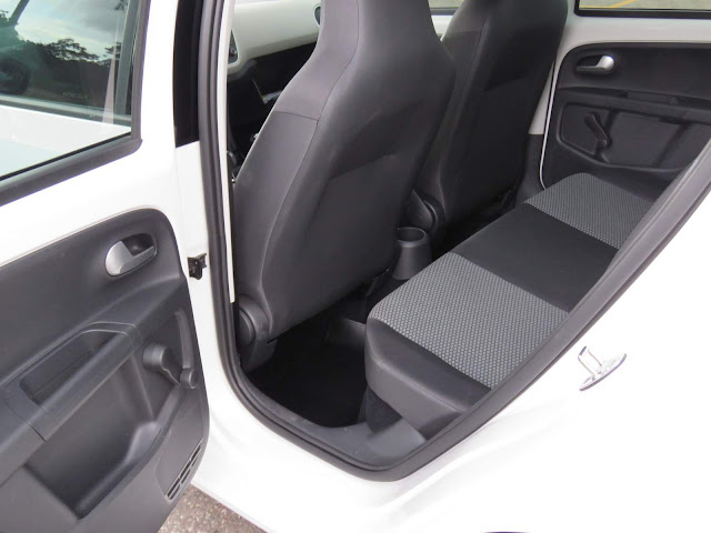 Volkswagen Up! TSI - design interior
