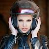 Cara Agar Rambut Tetap Bagus Tidak Lepek saat Menggunakan Helm