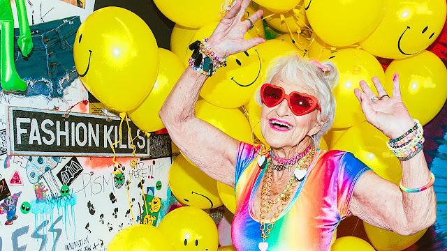Usia Bukan Menjadi Halangan, buktinya Nenek 88 Tahun Ini Tetep Dipilih Jadi Model Lini Make-Up Terkenal Berikut Kisahnya