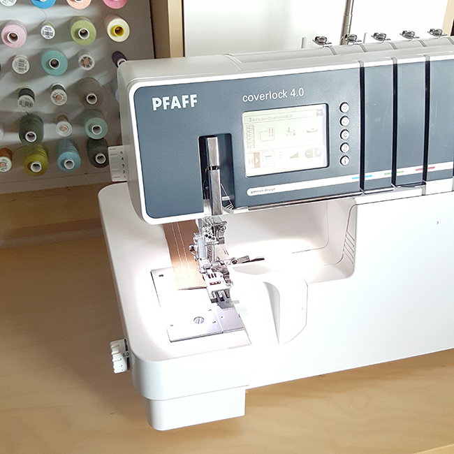 Pfaff, serger, coverlock