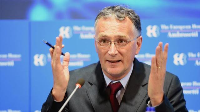 Jefe científico de UE dimite por la 'pobre' respuesta al COVID-19