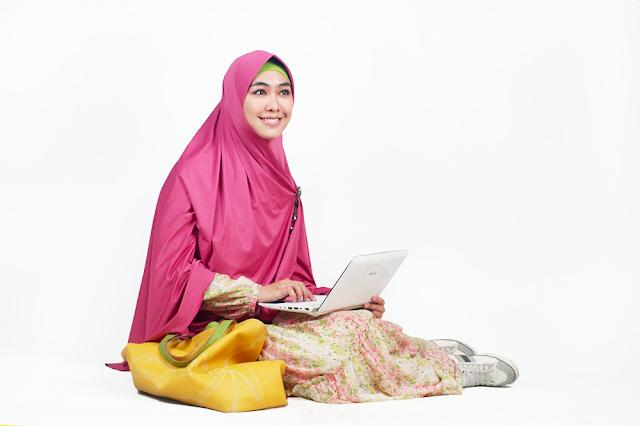 Simak Yuks 5 Trik Tampak Langsing saat Kenakan Hijab ala Oki Setiana Dewi