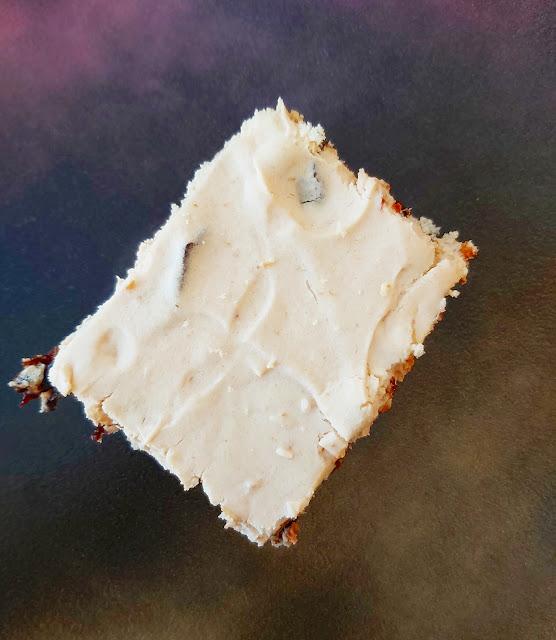 sladica iz sirnega namaza