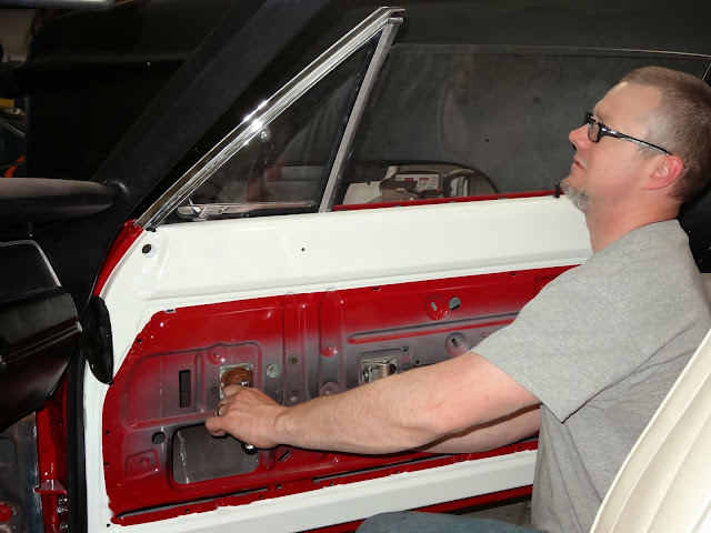 1970 Mopar window fitting