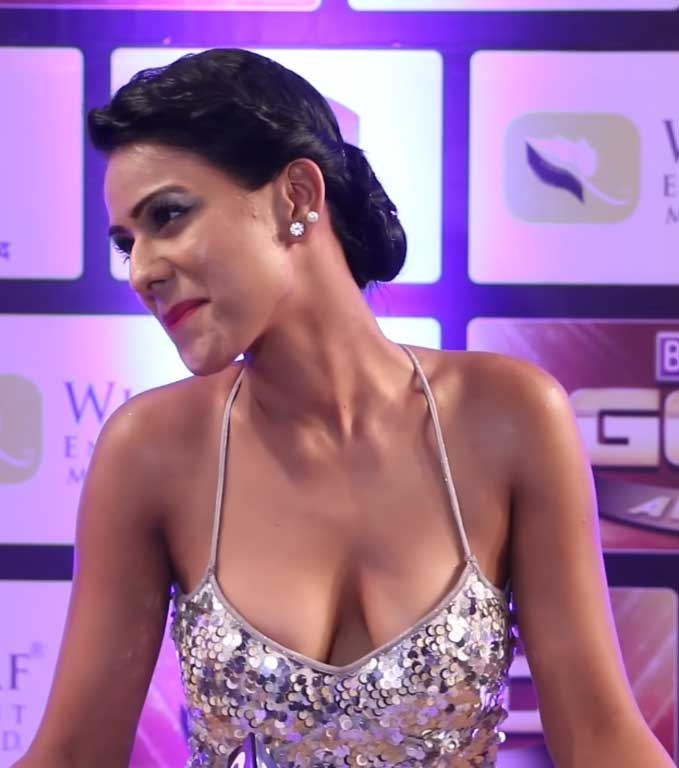 Nia Sharma Hot and Sexy, Nia Sharma Hot and Sexy Cleavage