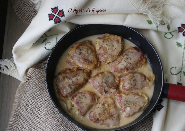 Pimientos rellenos de arroz, hummus y langostinos  El Ágora de Ángeles