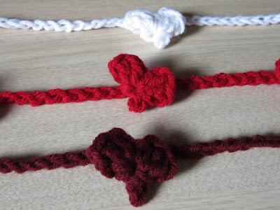 crochet, free pattern, heart, garland