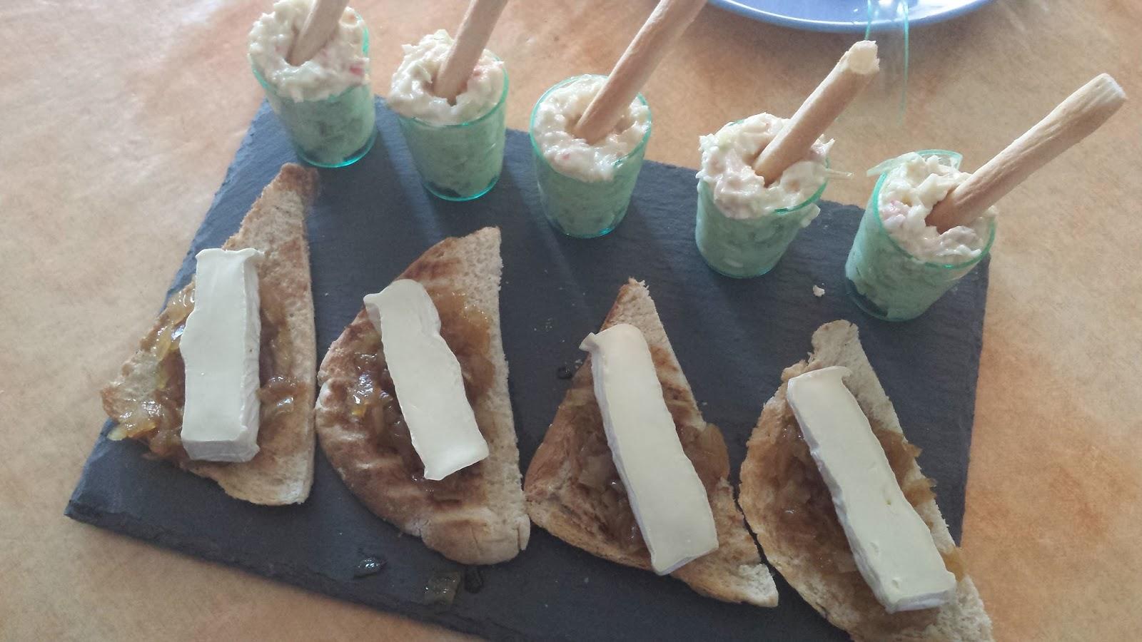 Paz y gloria en la cocina canap s de queso de cabra con for Canape queso de cabra